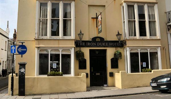 FOOD REVIEW: Great steak at the Iron Duke