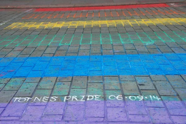 Permanent rainbow crossing planned for Totnes