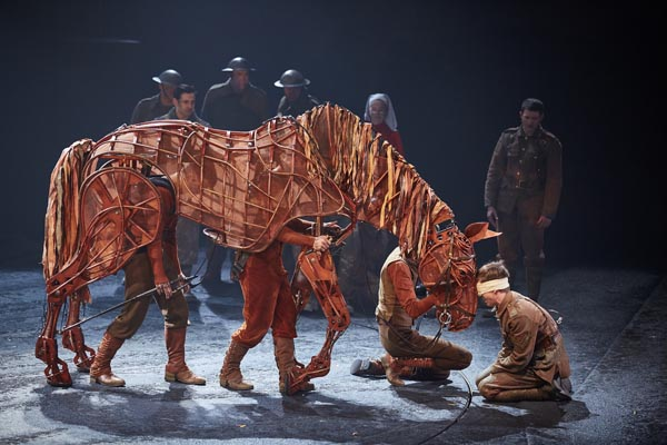 REVIEW: Warhorse, New London Theatre