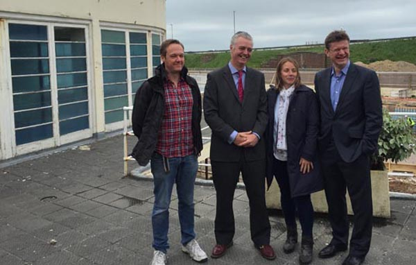 Local Government Minister visits Saltdean Lido