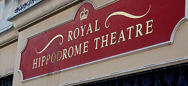 Community theatre calls for volunteers and reviewers