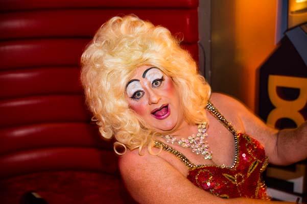 Davina Sparkle raises £2,200 for Wedding Wish Well foundation