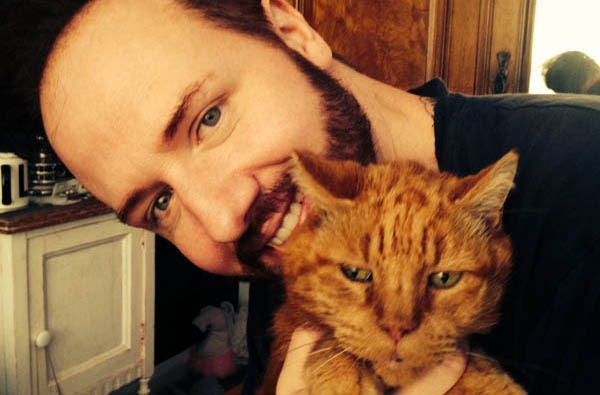 Gogglebox star helps launch service for grieving cat owners