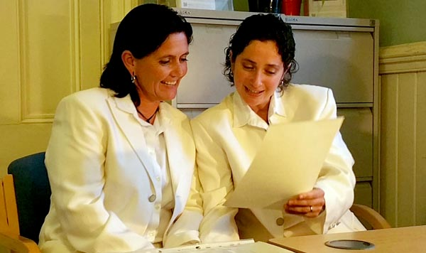 Couple return to Brighton after 10 years to marry