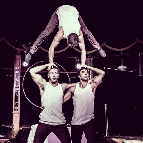 BRIGHTON FRINGE REVIEW: Arr' we there yet?  Head First Acrobats