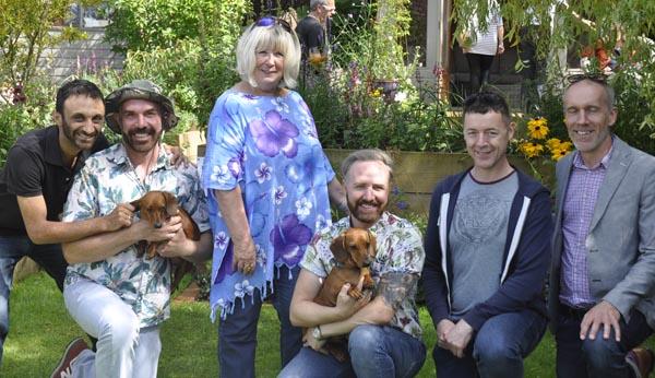 Chris and Tony raise £1,900 for Macmillan Horizon Centre