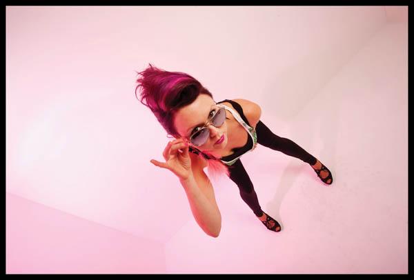 DJ Profile: Lizzie Curious