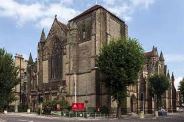 Hove Church's spring clean for Christian Aid week