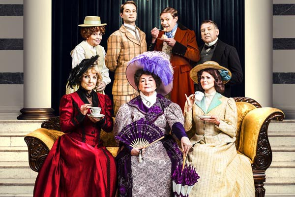 THEATRE REVIEW: The Importance of Being Earnest @Eastbourne