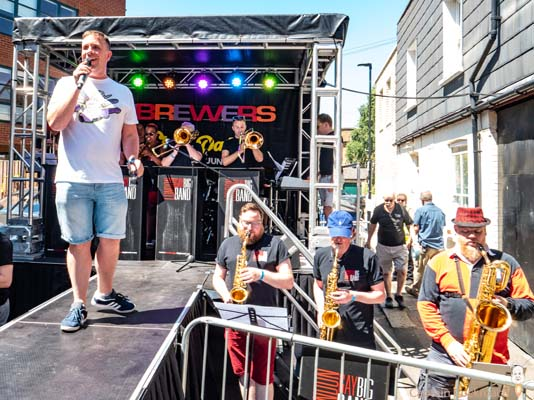 PICTURE DIARY: Two Brewers Street Party