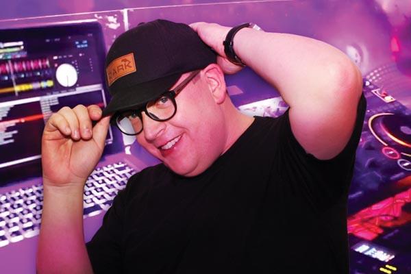 DJ Profile: DJ Dazwell