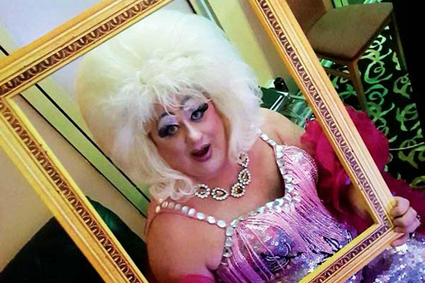 INTERVIEW: Born to Sparkle – Davina at 50!