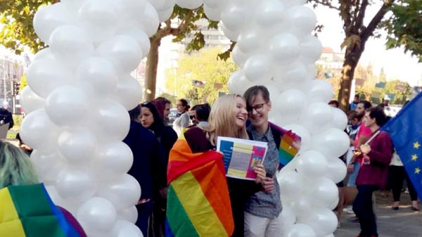 Referendum to ban same-sex marriage in Romania fails due to low turn out