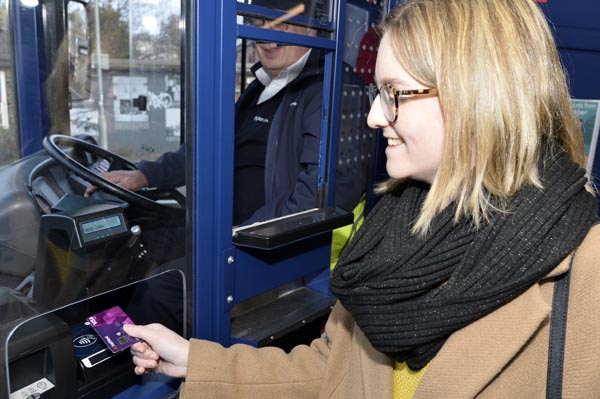 Brighton & Hove Buses go contactless