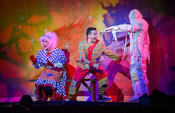 PANTO REVIEW: Aladdin @Pavilion Theatre, Worthing