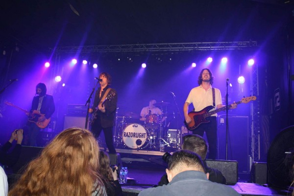 LIVE REVIEW: Don't let Razorlight leave the stage @Concorde 2
