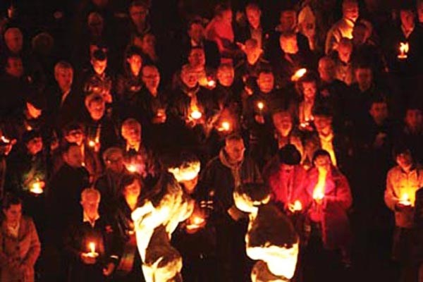 TODAY: World AIDS Day Candlelit Vigil at 6pm
