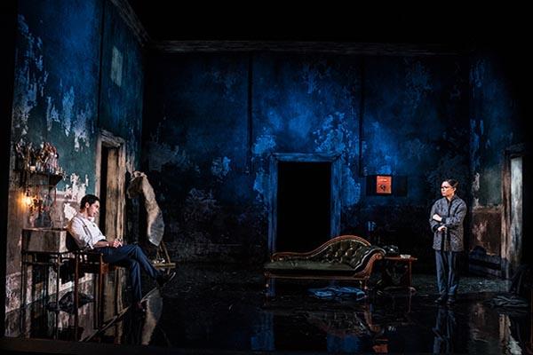 THEATRE REVIEW: The Picture of Dorian Gray @Devonshire Park Theatre