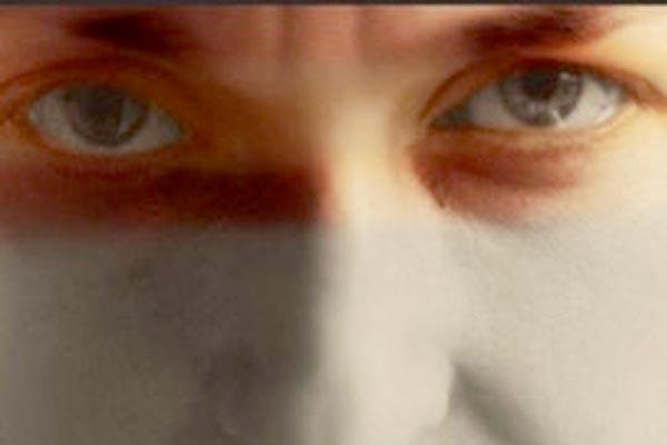 Fringe THEATRE REVIEW: Kissing Annie Lennox @The Warren