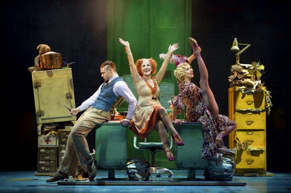 PREVIEW: Annie @The Congress Theatre Eastbourne