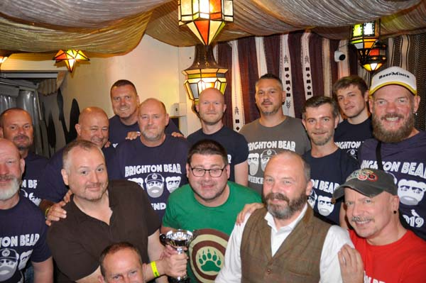 Quiz winners 'Crouching Homo Hidden Marrow!' with BBW volunteers and Camelford Arms staff
