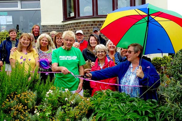 Local gardener raises over £9,000 for Macmillan Cancer Support