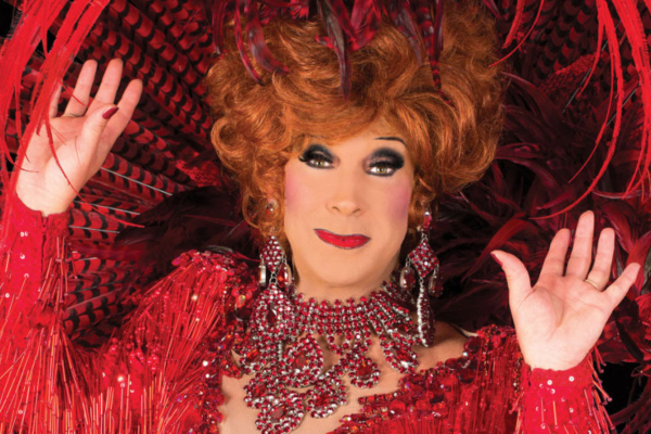 PREVIEW: Ceri Dupree: The Ladies I Love @ the Royal Hippodrome, Eastbourne