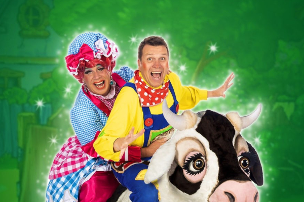 CLARABELLE THE COW OF PANTOMIME FAME talks to Brian Butler