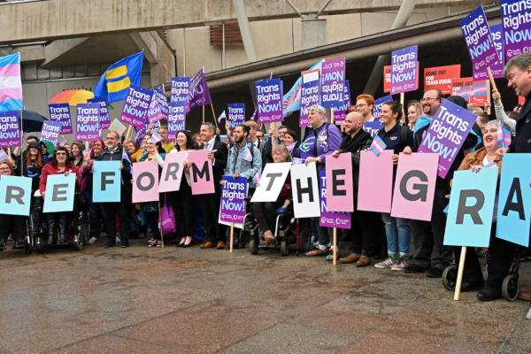 Stonewall to continue trans birth certificate campaign