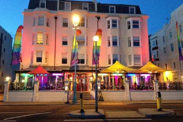 Legends Brighton offer take away food & drink service