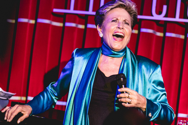 REVIEW: Lorna Dallas – Home Again at the Crazy Coqs