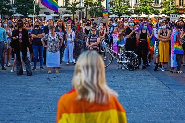Polish LGBTQ+ activists rally against anti-gay protestors