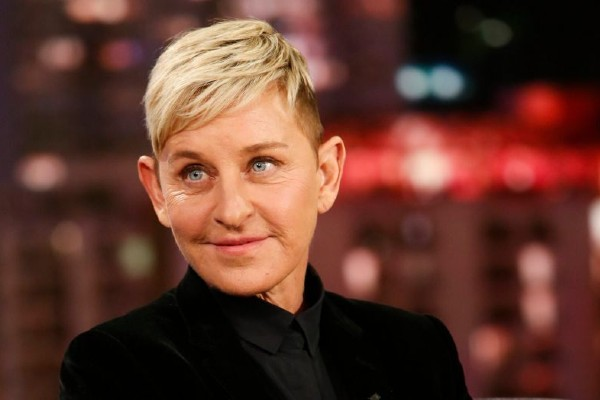 Ellen apologises for 'toxic workplace'