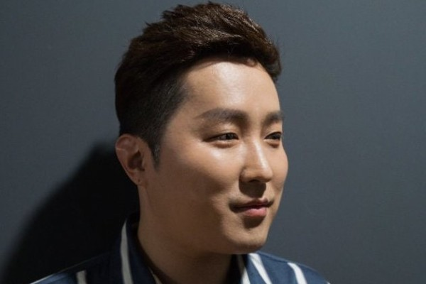 Gay Korean Celebrities  – K-pop singer first to come out as gay in 20 years