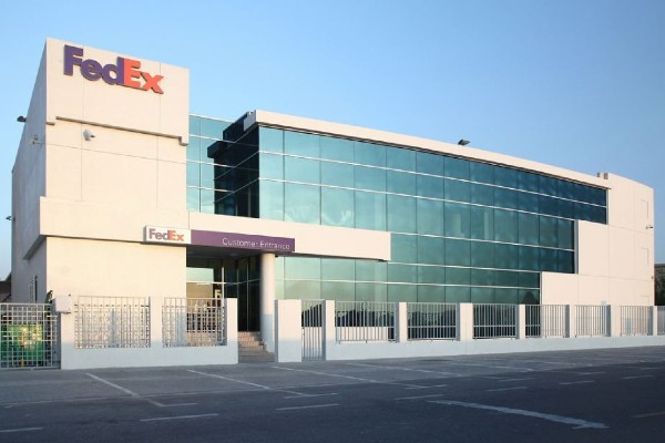 Trans worker sues FedEx over harassment