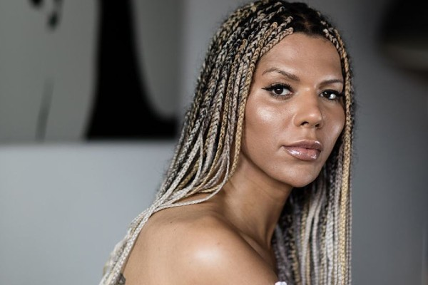 Munroe Bergdorf supports Women's March Global Count