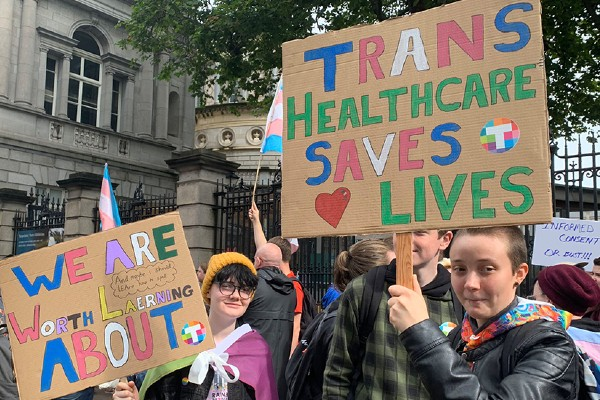 Kansas bill to criminalise healthcare for trans youth