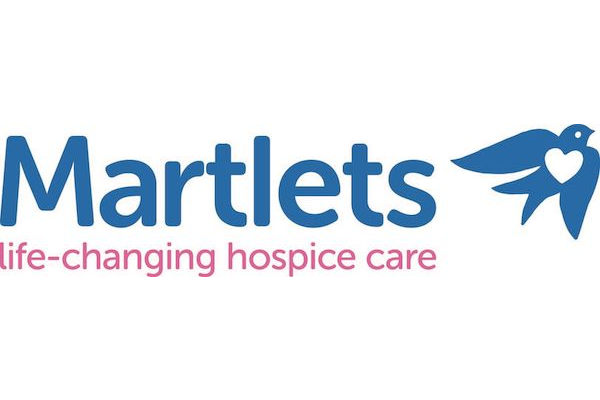 Drag queens needed for Martlets Xmas Cards