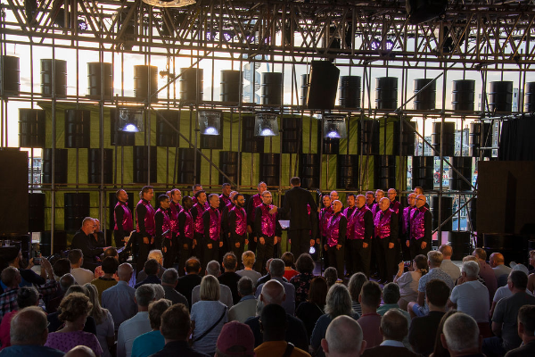 REVIEW: Brighton Gay Men's Chorus @ The Oil Shed